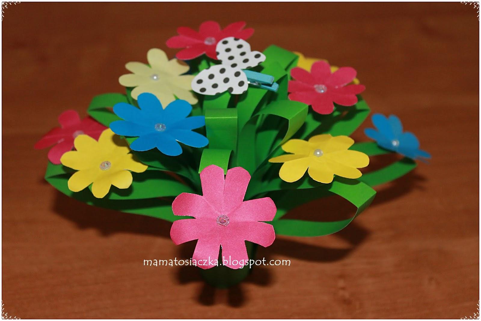 Kwiatki Na Dzień Matki Praca Plastyczna Z Kolorowego Papieru