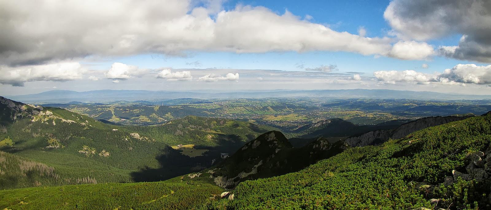 Panorama na północ ze szlaku na Kasprowy Wierch.