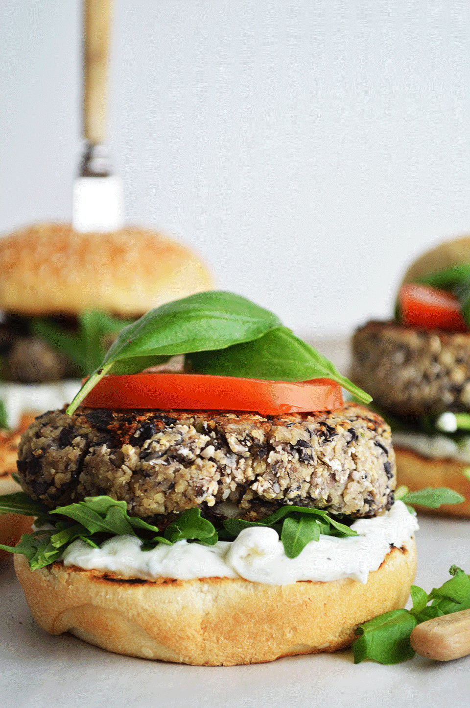 Black Beans and Couscous Burger | https://oandrajos.blogspot.com