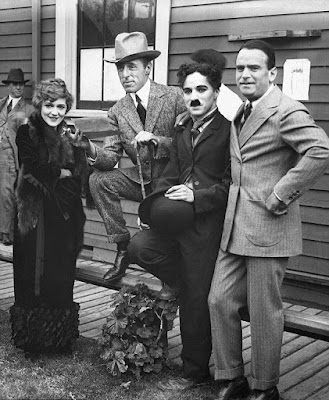Основатели United Artists: Мэри Пикфорд, Д.У. Гриффит, Чарли Чаплин и Дуглас Фэрбенкс