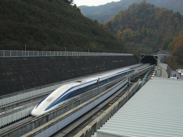Gambar Kereta Maglev di Jepang merupakan salah satu kereta api tercepat di dunia