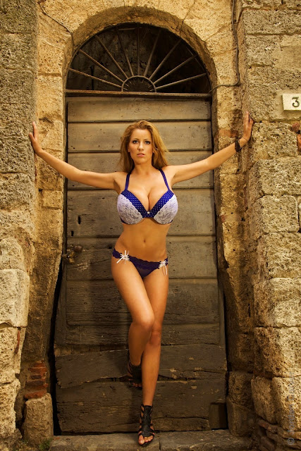 Jordan-Carver-Villaggio-hot-sexy-hd-photoshoot-image_20