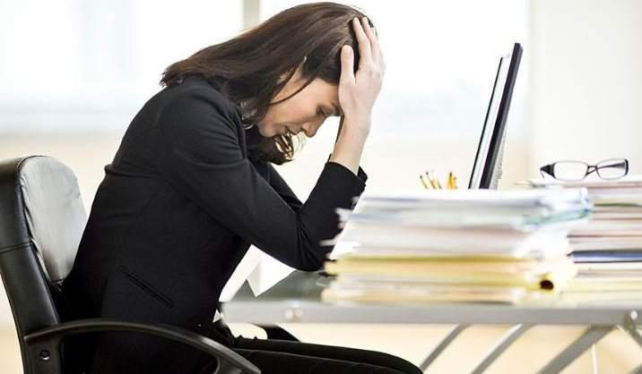 Tips Bekerja Agar Tidak Stress Dan Kertas Tidak Menumpuk Di Atas Meja Kerja Anda