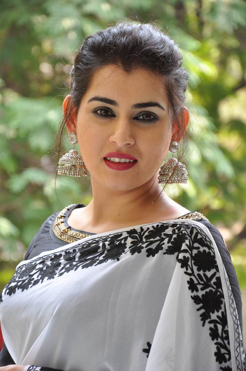 Archana Veda Hot Photos In White Saree