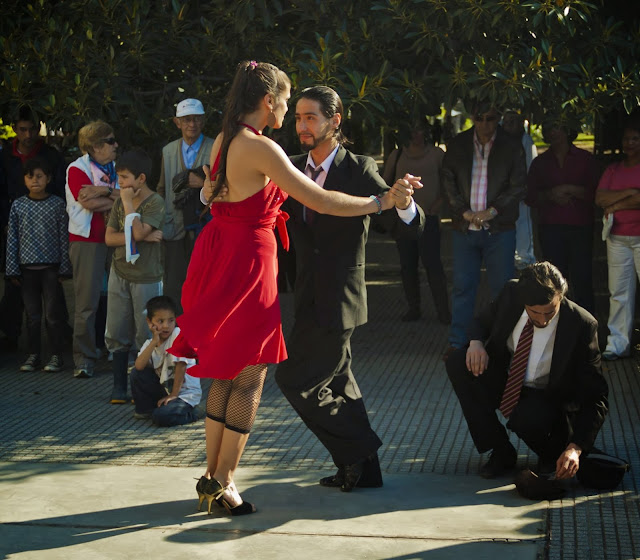 Pareja de tango en Recoleta