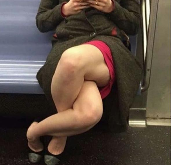 Woman becomes Internet sensation after crossing her legs in bizarre way