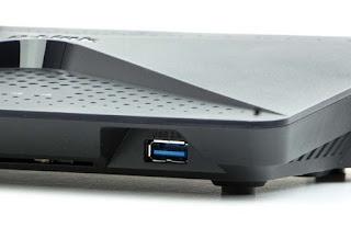 Port USB 3.0 w D-Link EXO AC2600 (DIR-882)