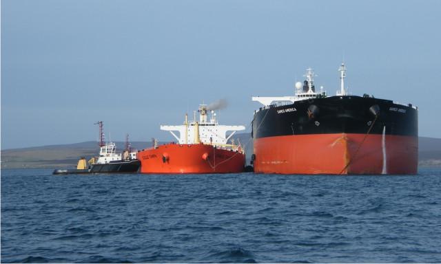 Continúan las locuras en Pdvsa: Ahora quiere transferir petróleo barco a barco en aguas de isla La Borracha