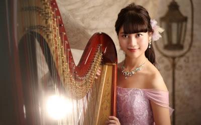 tips-membuat-foto-potrait-keren pemain harpa cantik