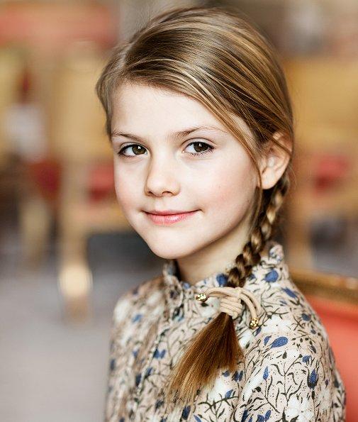 Princess Estelle wore Bonpoint Flannel dress cotton and wool long-sleeve dress. Crown Princess Victoria, Prince Oscar