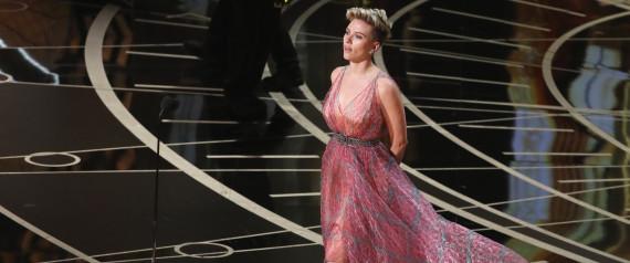 Scarlett Johansson sublimée par les créations du tunisien Azzedine Alaïa aux Oscars