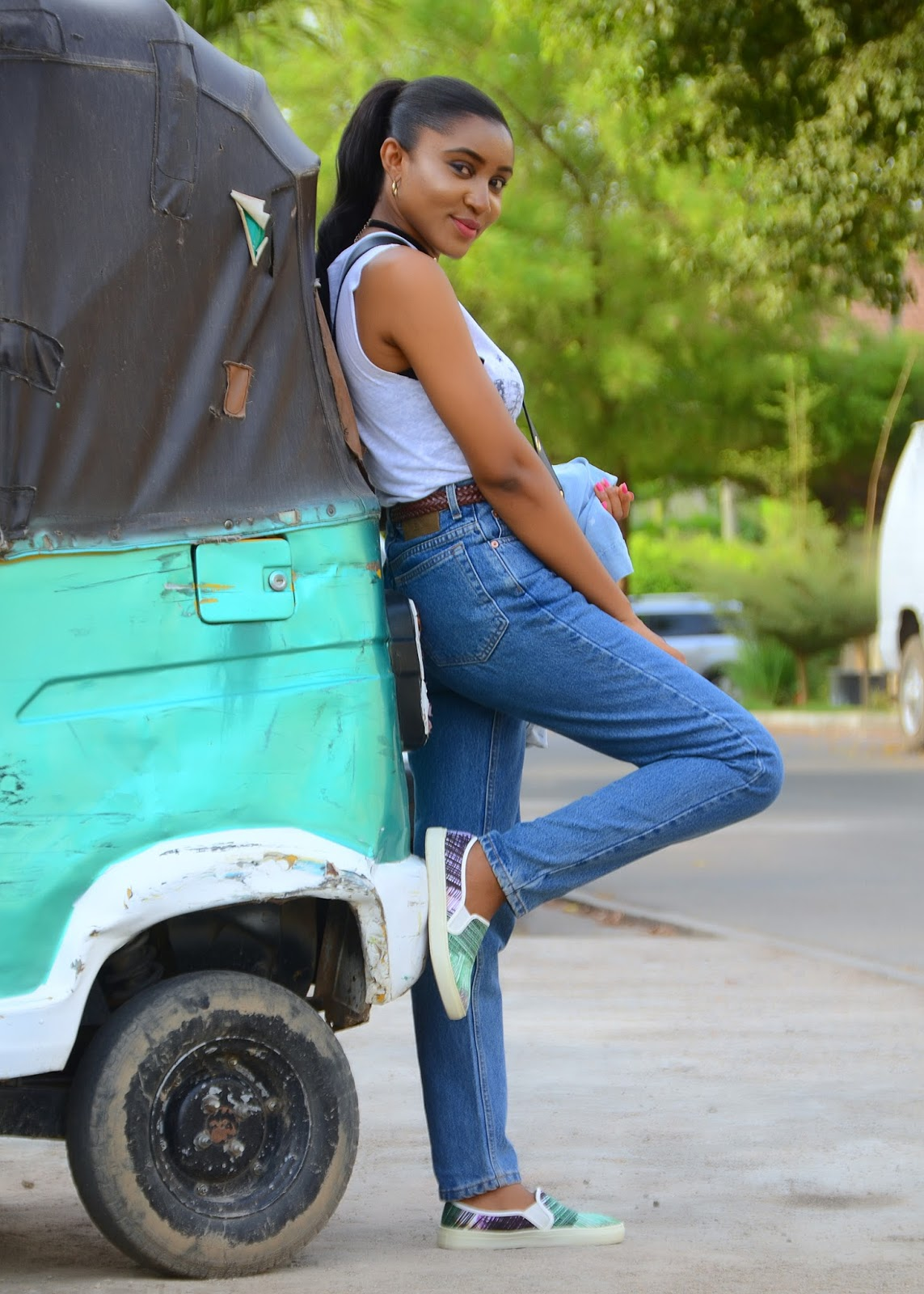 mom jeans, plimsolls