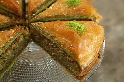 fıstıklı baklava kek, kek, fıstıklı baklava, baklava, tatlı, antepfıstığı, antep tatlı, yemek tarifleri, ev yemekleri
