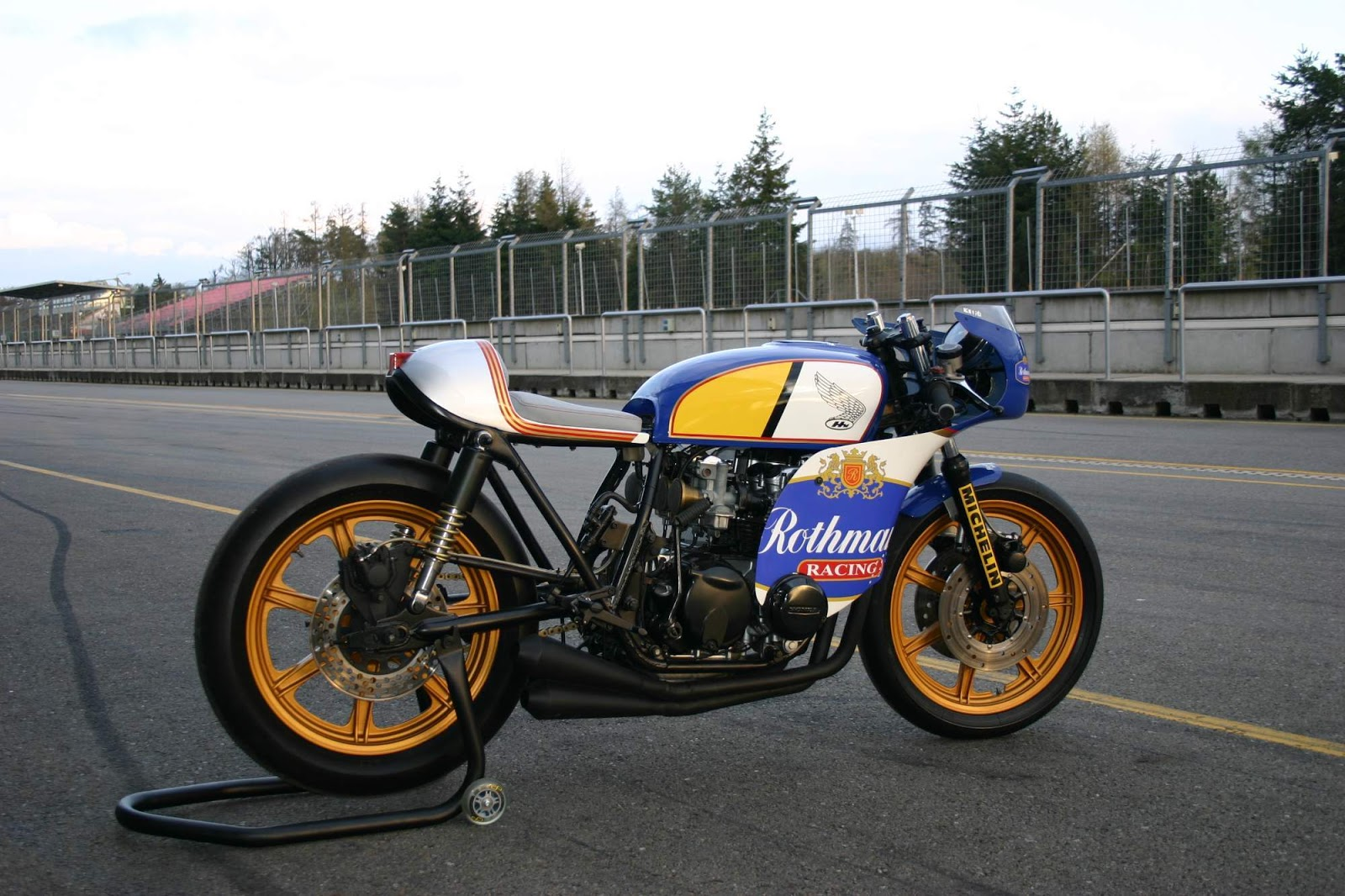 honda cb500 rothmans racing rocketgarage cafe racer magazine. Black Bedroom Furniture Sets. Home Design Ideas
