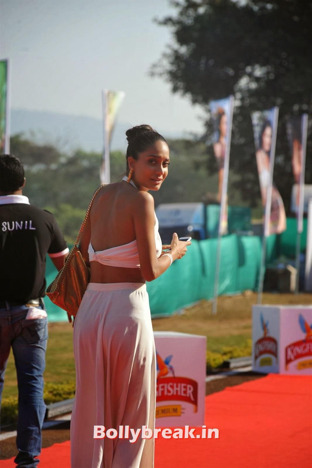 Lisa Haydon, Full Set : Super Hot Models at Kingfisher Calendar Launch In Alibaug Mumbai