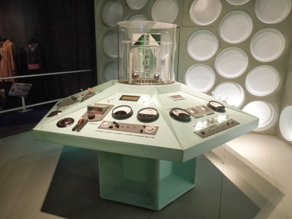 Doctor Who TARDIS MK1 control room replica