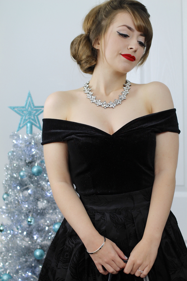 Vintage 50s style statement diamante necklace from Happiness Boutique