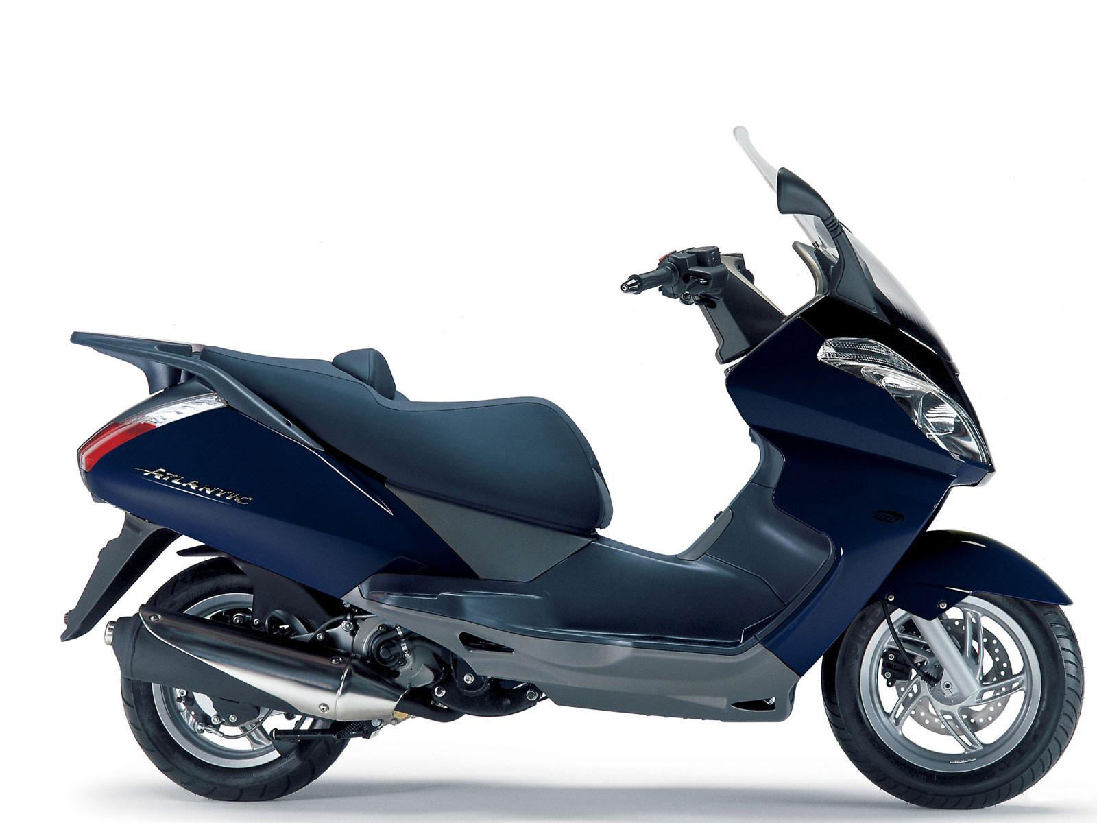 2005 aprilia atlantic 125 scooter pictures insurance info. Black Bedroom Furniture Sets. Home Design Ideas