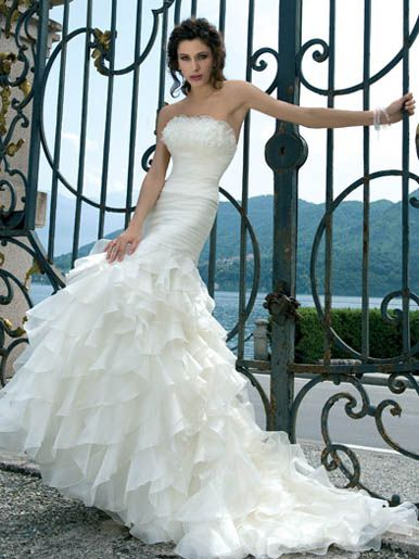 d3f9a46ef4fc Preowned Wedding Dress of the Week BravoBride BravoBride | Preowned ...