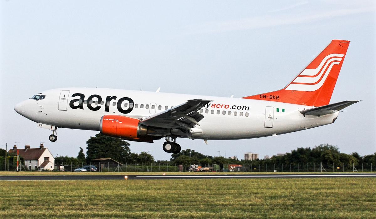 boeing 737-500 aero contractors 5n-bkr