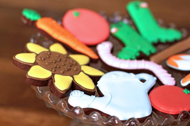 Biscuiteers Green Fingers biscuit tin - UK lifestyle blog