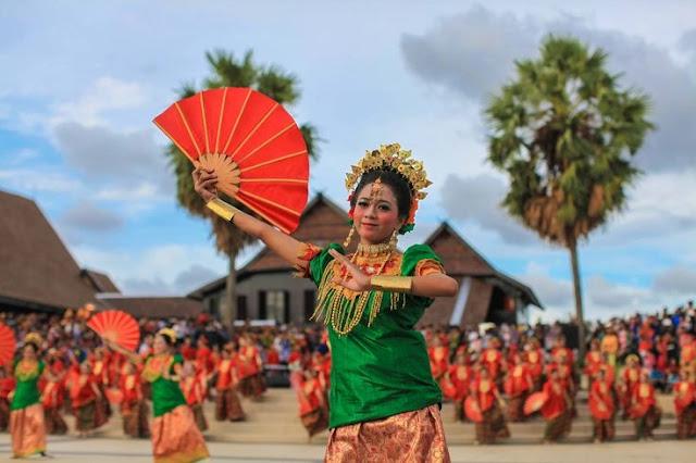 Asal Usul dan Peradaban Suku Makassar ( Artikel Lengkap )