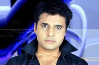Naveen Saini Pemeran Vineet Sharma