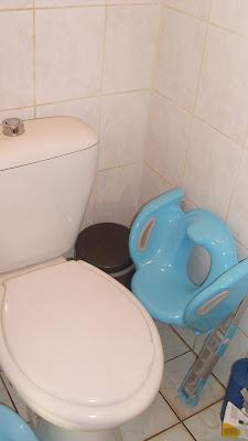 rehausseur de toilette pliable