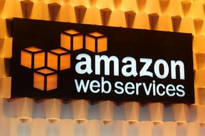 Contract award spurs concerns Amazon might have inside track to big cloud deal