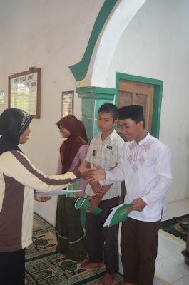 Sertifikasi Depag 2013 Direktorat Jenderal Pendidikan Islam Kementerian Agama Ri Mts Maarif Fatahillah Sindang Anom Photo Pemberian Penghargaan Bagi