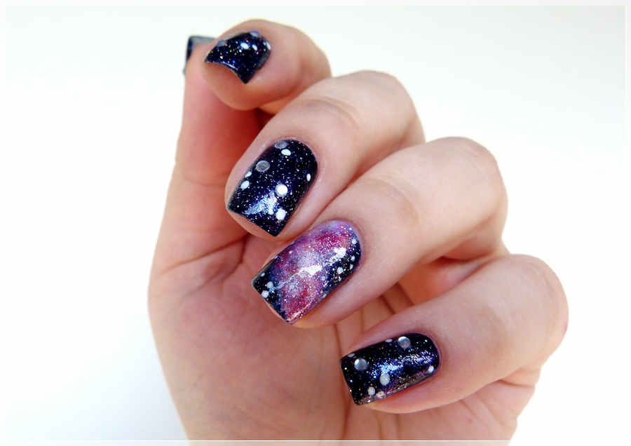 galaxy Nails Nageldesign Sterne