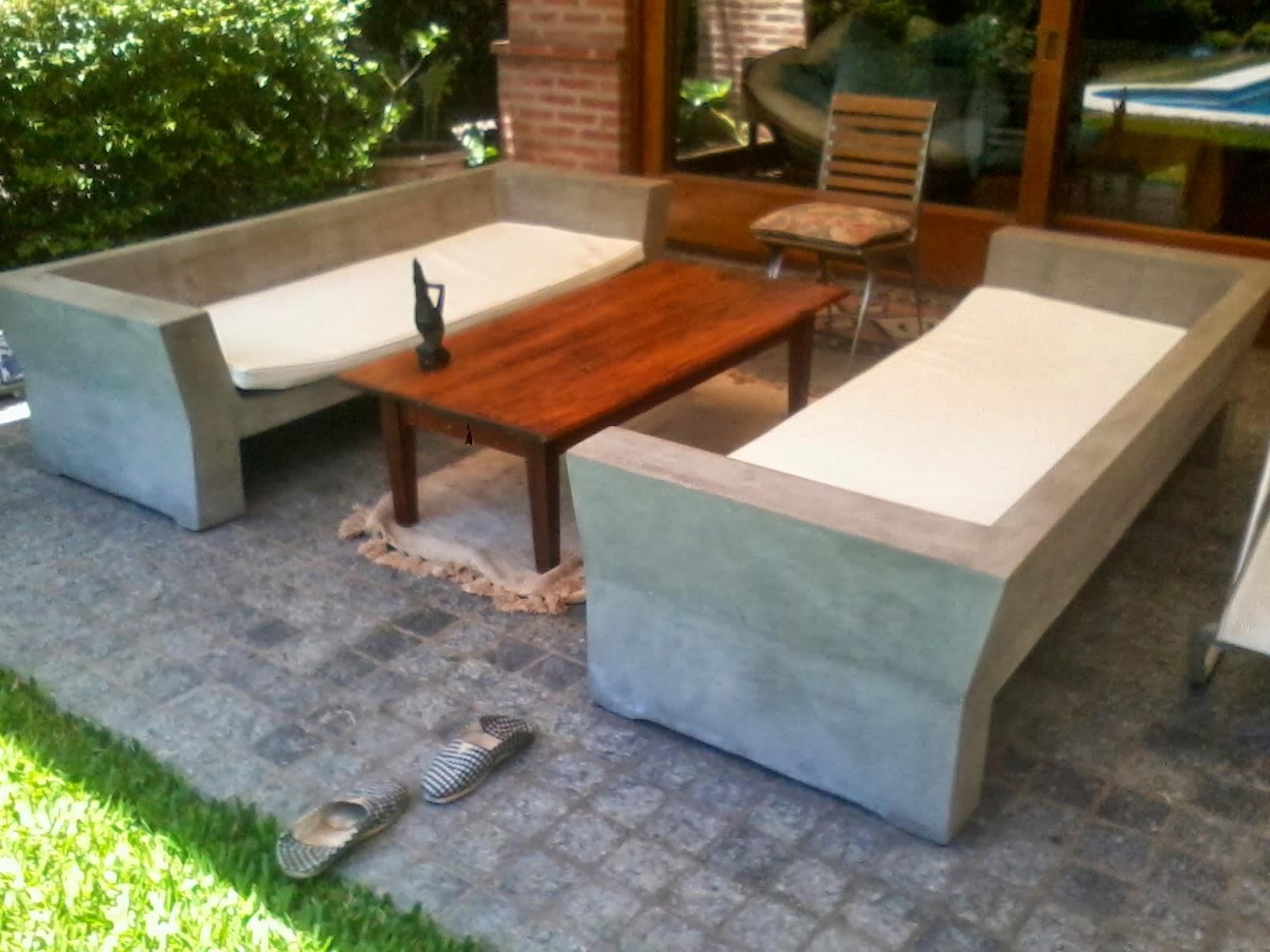 Muebles en cemento light estilo ribera for Modelos de sillon cama