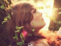 """Resenha: """"Amaldiçoadas"""" -  As Crônicas das Irmãs Bruxas - Livro 02 - Jessica Spotswood"""