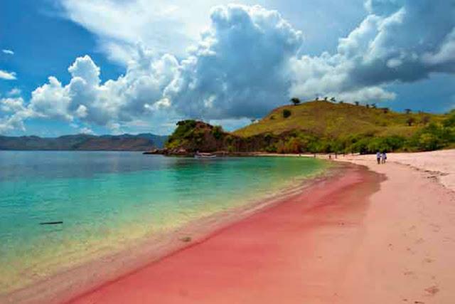 Objek Wisata Pantai 3 Warna