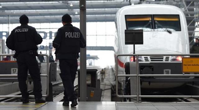 Polisi Jerman Di Tusuk olah Gadis yang di anggap Anggota ISIS