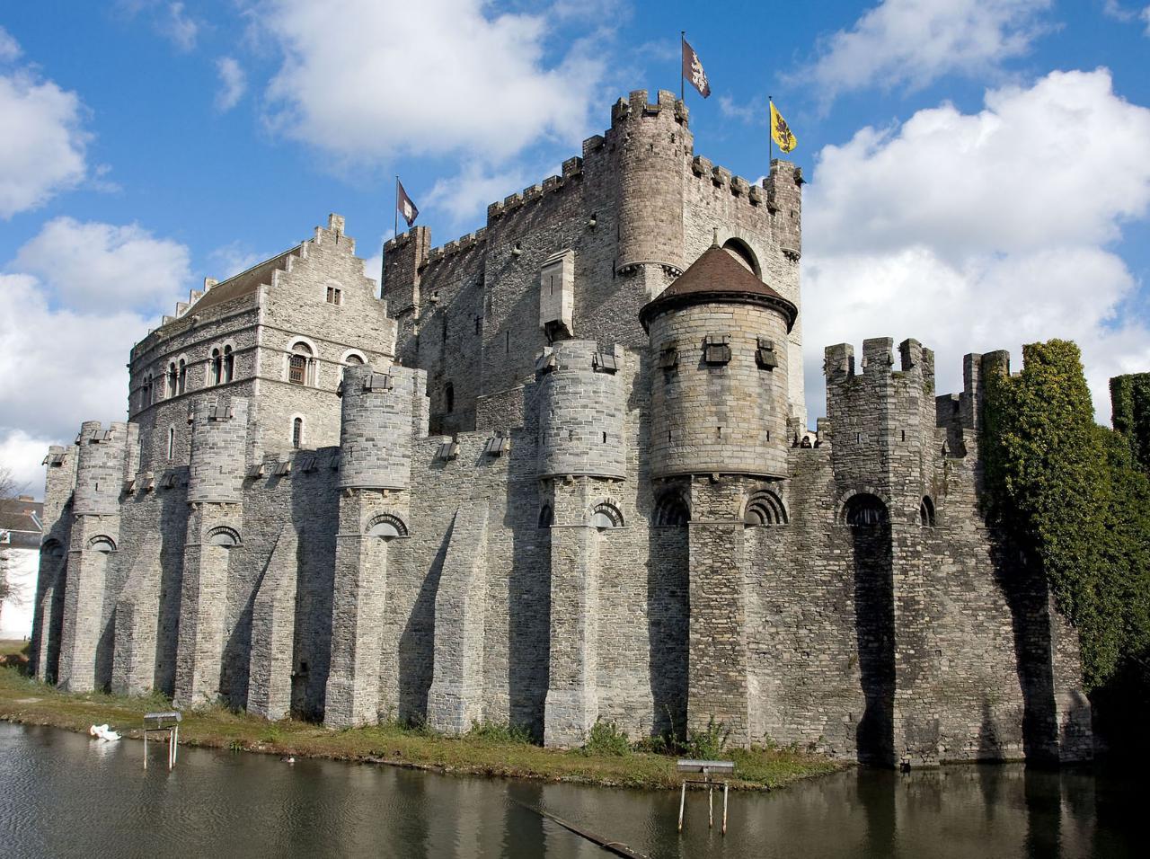 8. Gravensteen (Bélgica)
