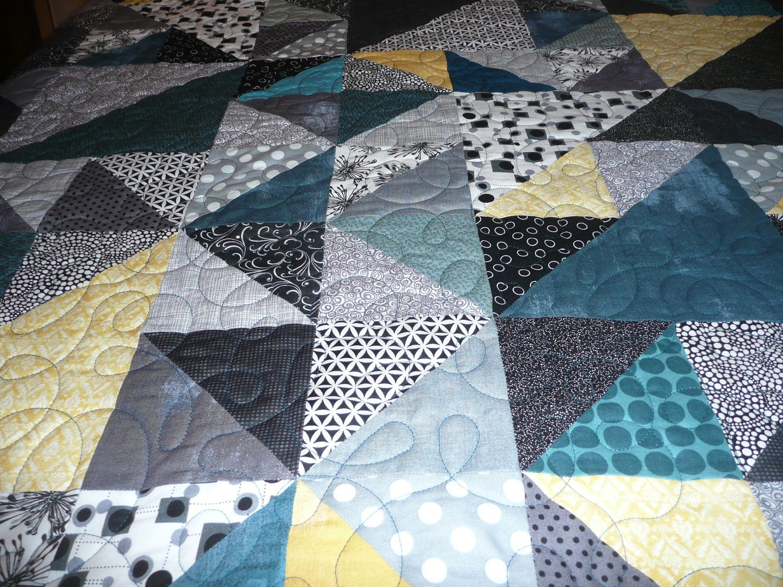 Quilt Patterns For Wedding Gifts : Acorn Ridge Quilting: A Wedding Gift Quilt for Logan