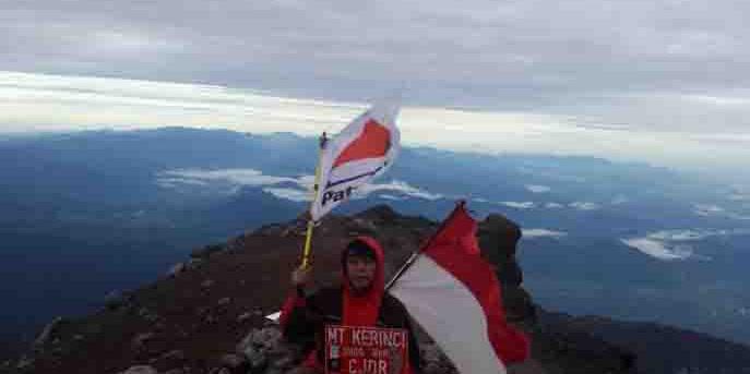 Masyarakat Jambi Kecam Nama Puncak Gunung Kerinci Jadi Puncak Joko Widodo