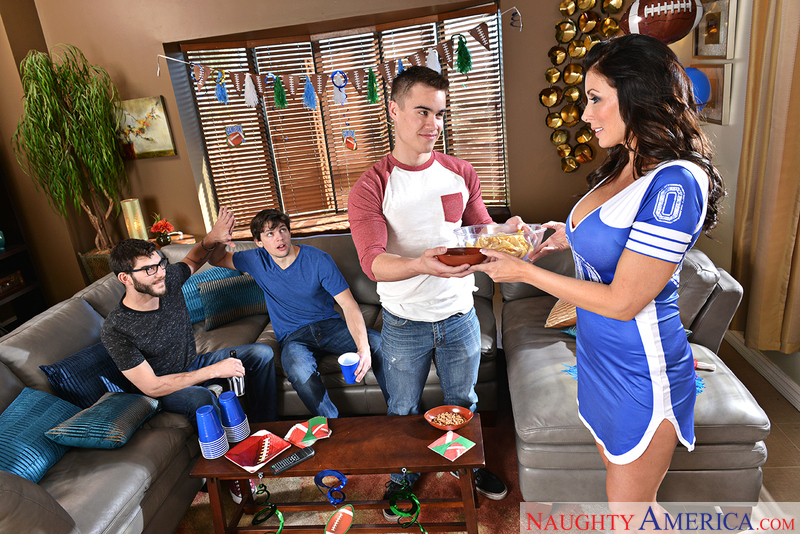 UNCENSORED [naughtyamerica]2017-02-04 My Friend's Hot Mom, AV uncensored
