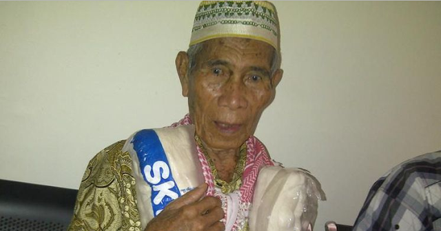 Digugat Anaknya, Bapak 74 Tahun Ini Bawa Kain Kafan ke Pengadilan