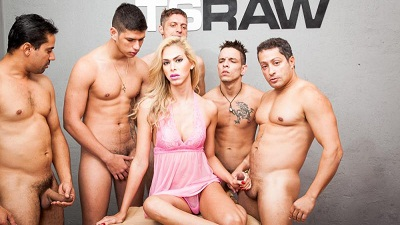 TS RAW – Barbara Perez – Spread Assholes in Gangbang