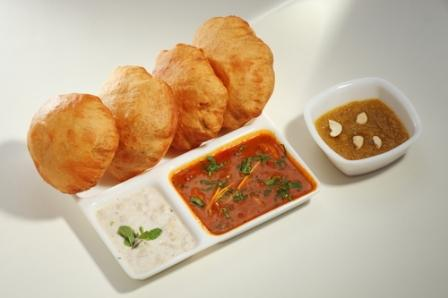 मूंग दाल कचौड़ी (बेड़वीं पूरी) बनाने की विधि | Moong Dal Kachori Recipe in Hindi