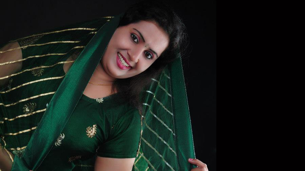Malayalam Tv Serial Actress Malayalam Tv Actress Graashma -2066