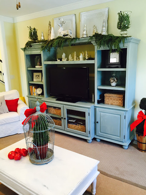 How to decorate Entertainment center for Christmas