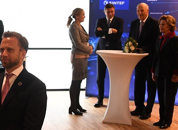 President Borut Pahor arrived in Oslo. Queen Sonja, Crown Prince Haakon and Crown Princess Mette-Marit at gala dinner