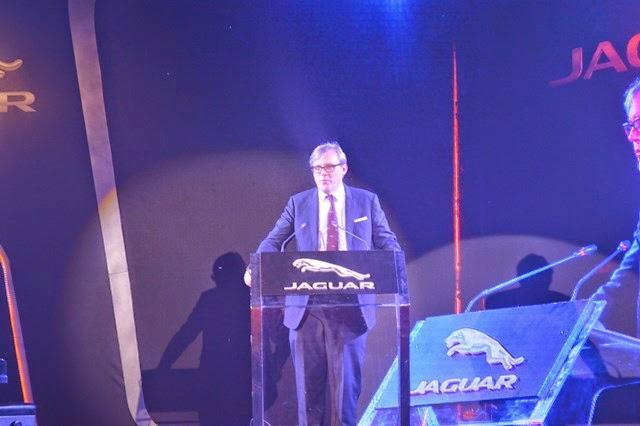 ရန္ေနာင္(ဗိုလ္တေထာင္) -  ျမန္မာ့ရုပ္ရွင္အကယ္ဒမီ ဆုခ်ီးၿမွင့္ပြဲ အႀကိဳ Jaguar ၏ Alive Gala Night က်င္းပ