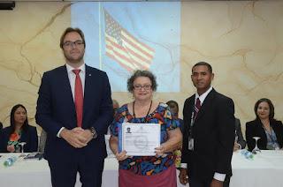 Interior y Policía juramenta a 29 extranjeros como dominicanos