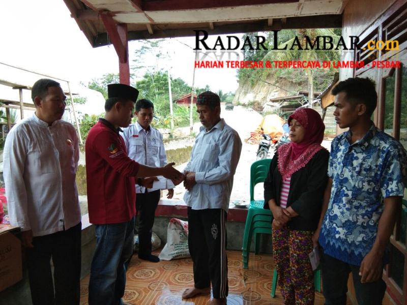 PPKH-Baznas dan PMR Serahkan Bantuan Untuk Korban Banjir