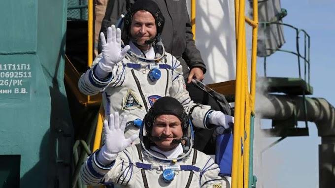 Video: Emergency landing for astronauts as rocket fails