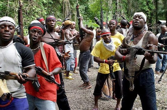 Lagos police armourer sells arms to militants, attempts suicide